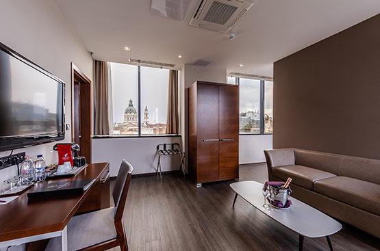 Hotel Home Office, Hotel President Budapest